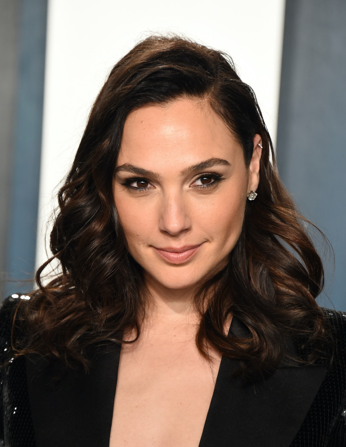 """Tweets About Gal Gadot's Video Of Celebrities Singing """"Imagine"""" Are A Mixed Bag"""