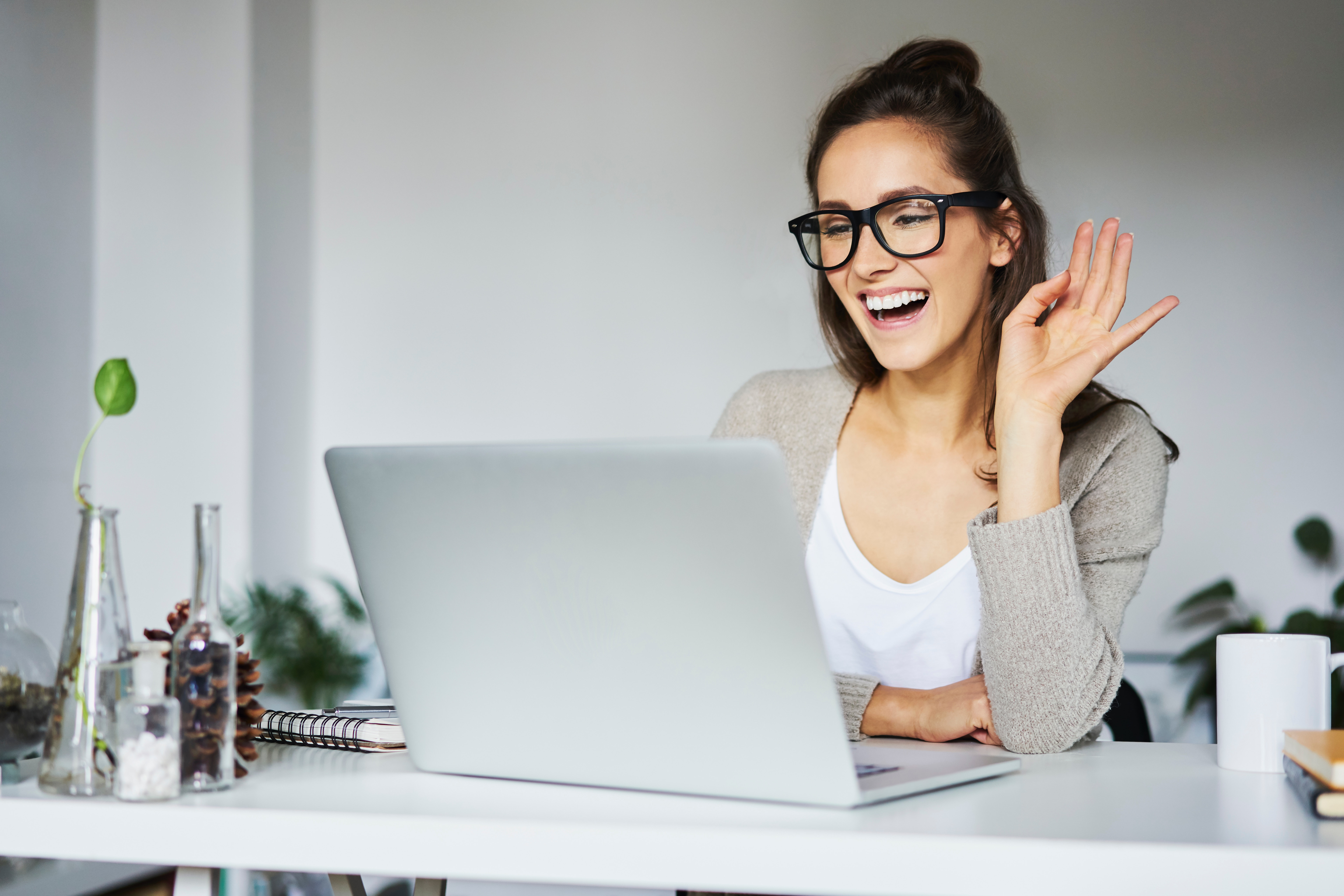 8 Zoom Hacks To Try During Your Next Work Meeting Or Virtual Happy