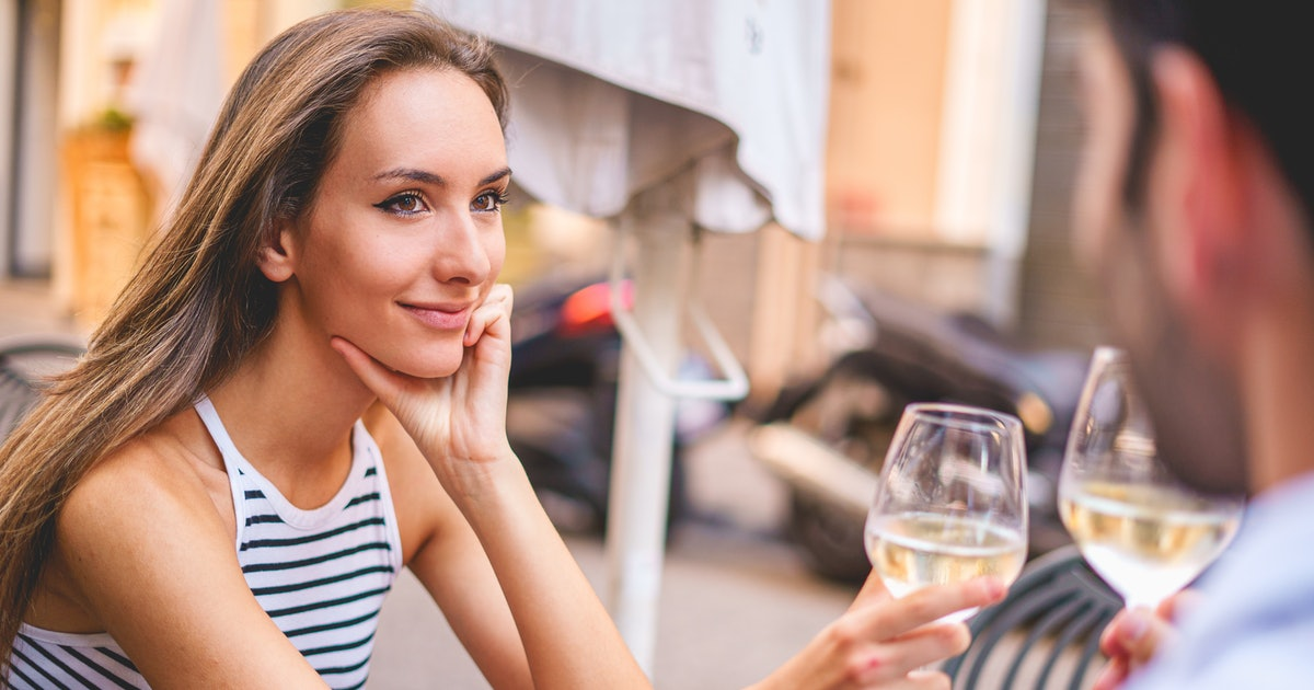 4 Signs Of Avoidant Attachment You Can Spot On A First Date