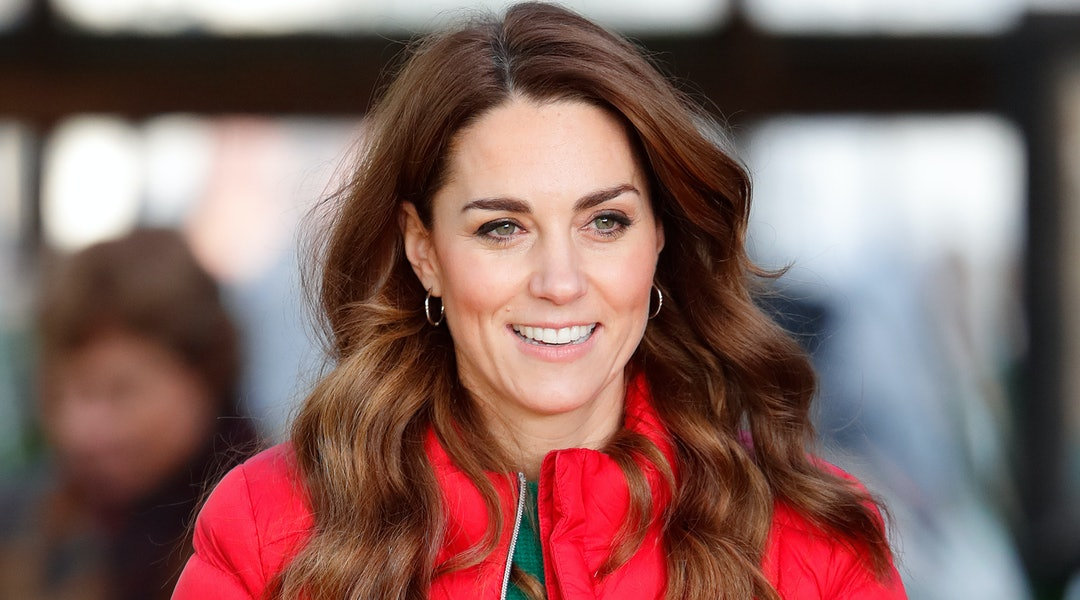 One of Kate Middleton's best haircuts is when it was mid-length and side parted