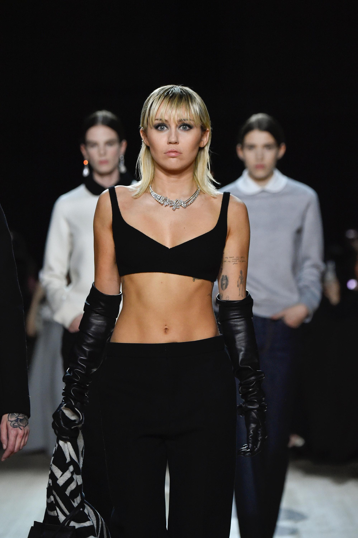 Miley Cyrus Cody Simpson Got Matching Tattoos Again