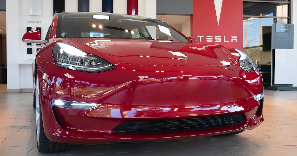 Musk Reads: Tesla Model 3 gets all-new performance features