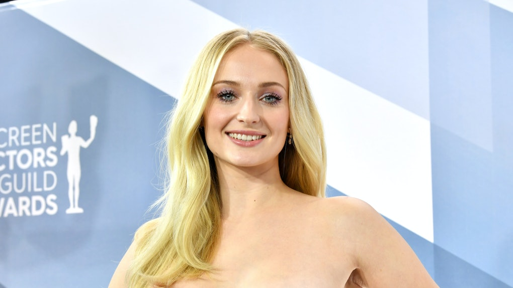 This video of Sophie Turner reviewing her fashion moments is so much to unpack.