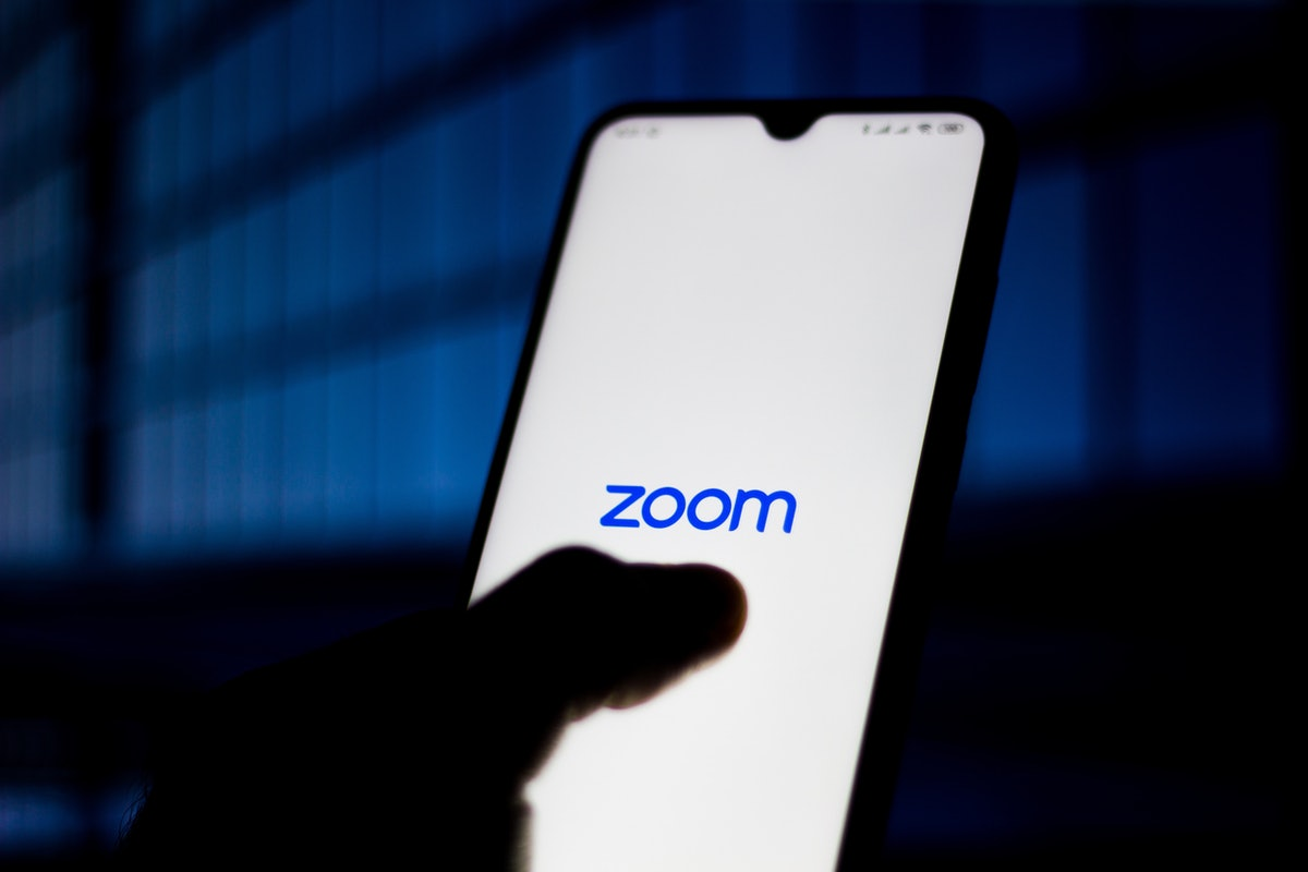Can Zoom hosts see private messages? Here's what to know.