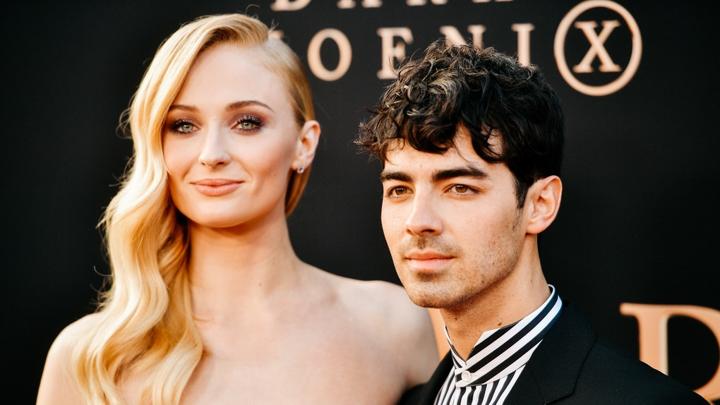 Sophie Turner did Joe Jonas' makeup and the photos are so good.