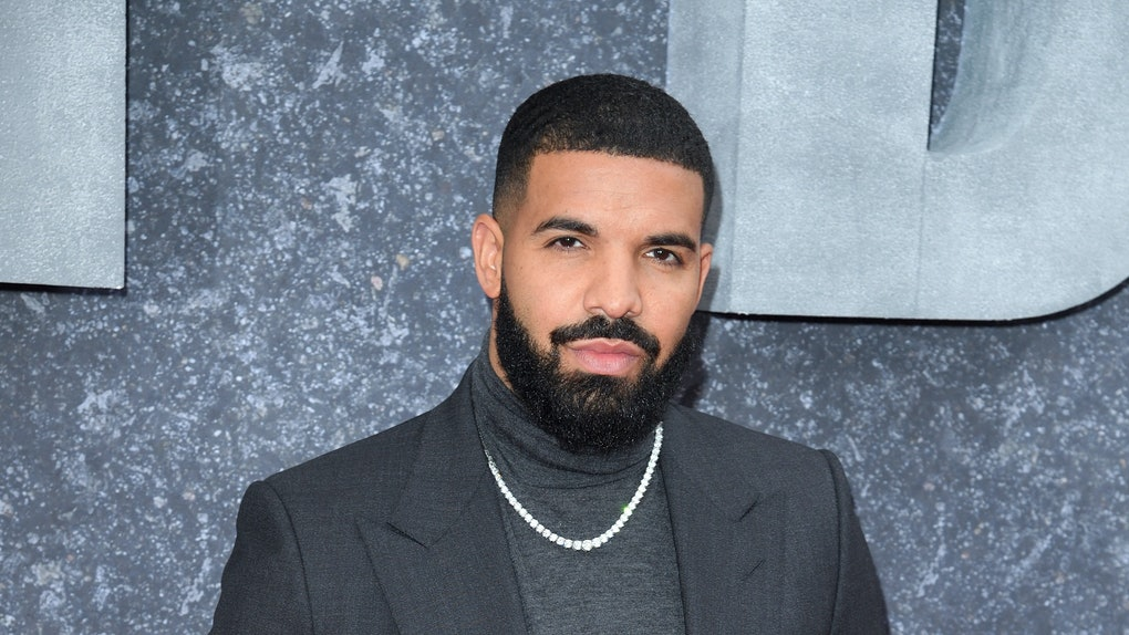 Drake hits the red carpet.