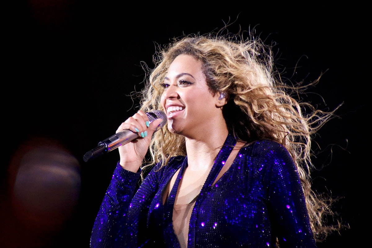 """Beyonce performs during the """"Disney Family Singalong"""""""