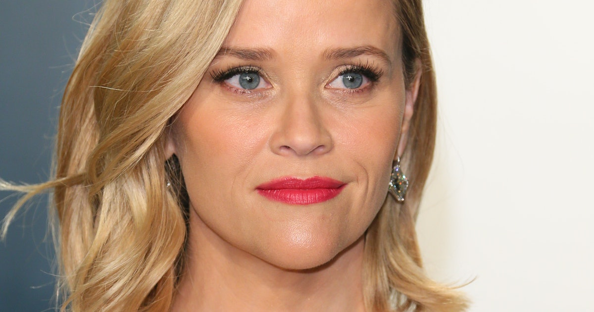 """Reese Witherspoon Says She Had To """"White-Knuckle"""" It Through Postpartum Depression"""