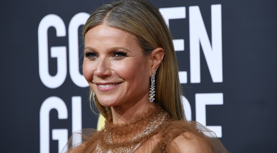 Gwyneth Paltrow is auctioning off her 2000 Oscars dress, which she once said is one of her biggest fashion regrets