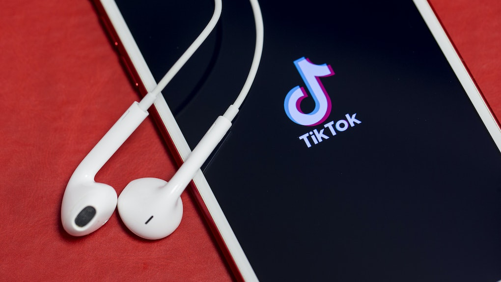 Here's how to use interactive TikTok filters so you can upgrade your videos.