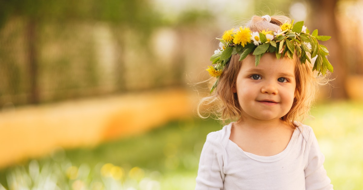 These 20 Unisex Baby Names Are Inspired By Summer & Happy Vibes