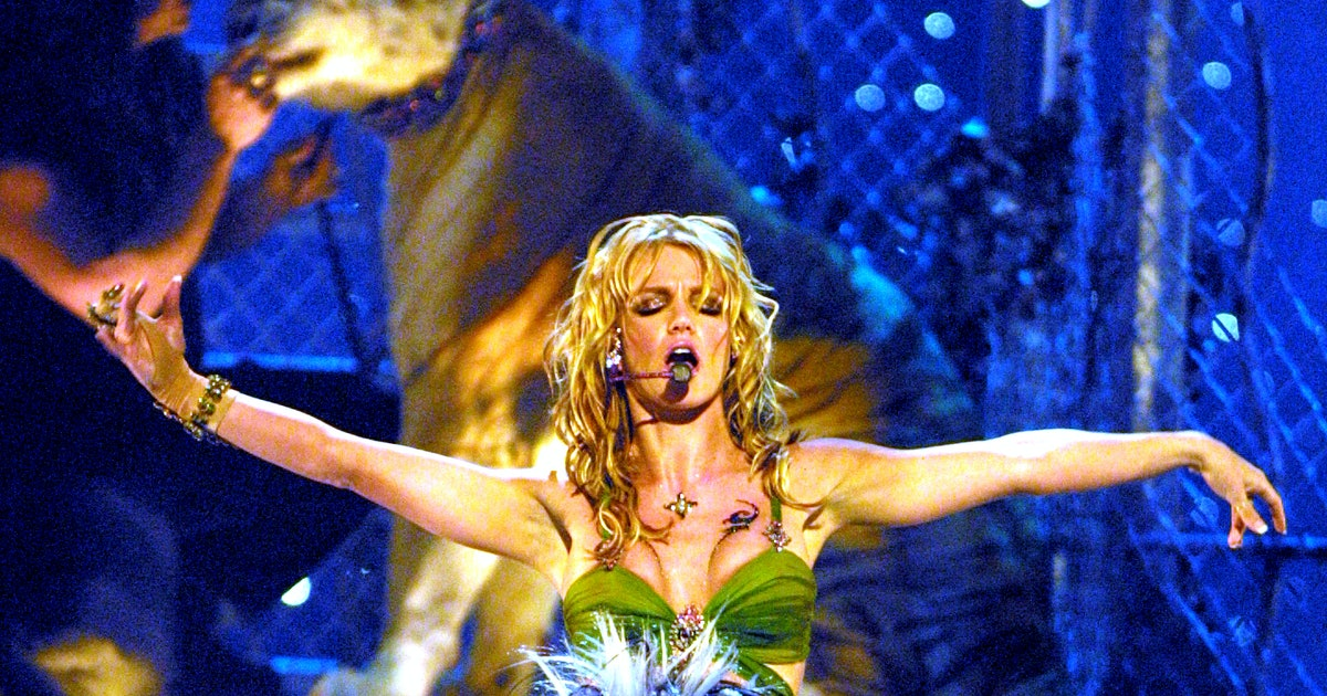 Doc Antle Spilled Everything About Working On Britney Spears' Iconic 2001 VMAs Performance