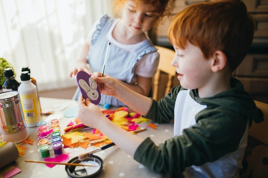 kids doing an easter craft