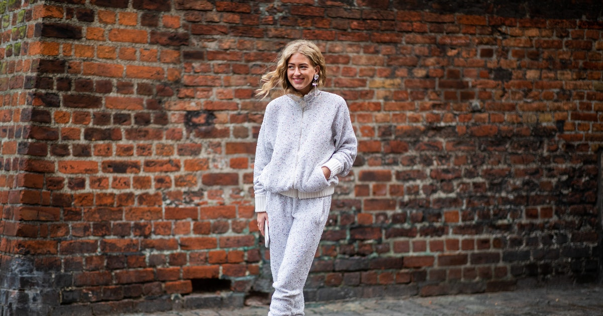 "The ""Half-Dressed"" Rule To Try With Your Favorite Sweatpants"