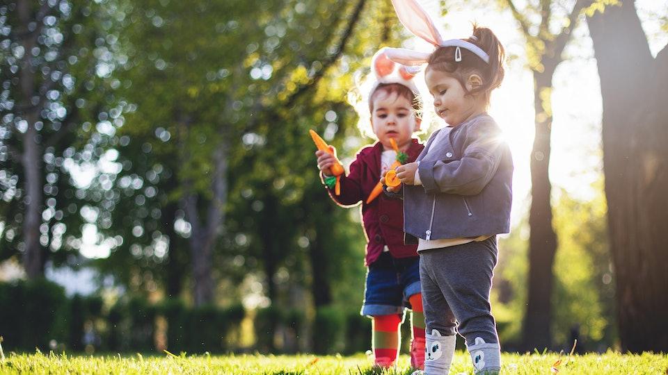 little kids on easter