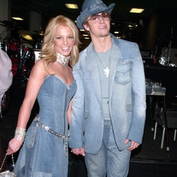 The biggest early 2000s fashion trends will make you nostalgic.