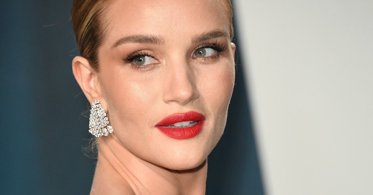 Rosie Huntington-Whiteley's Favorite In-Shower Products Are As Insta-Worthy As Her Wardrobe