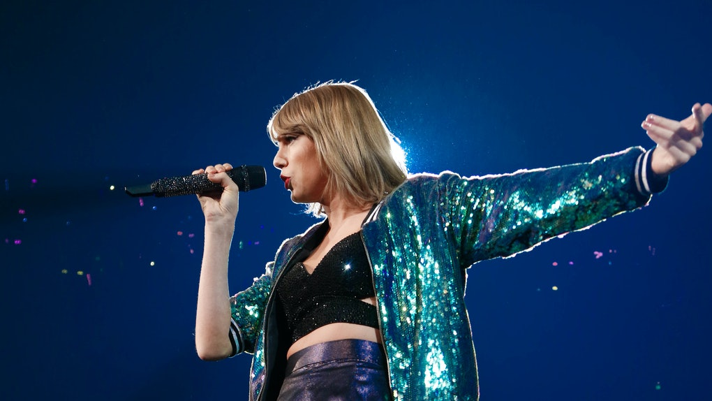 Taylor Swift rocks the stage.