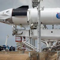 These photos reveal what's inside SpaceX's Crew Dragon capsule