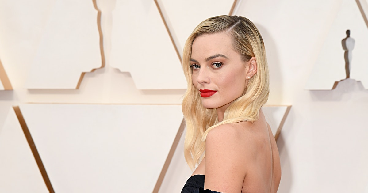 Margot Robbie Just Proved This Moody Nail Polish Shade Is Perfect For Every Season