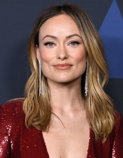 Olivia Wilde's fox-eye makeup look features blurred eyeshadow