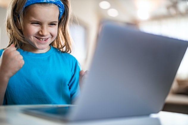 Kids can get excited about reading with free online reading courses.
