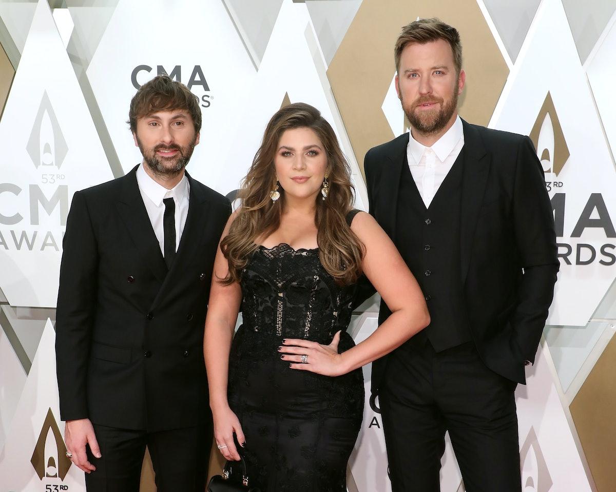 Lady Antebellum attend the CMA Awards.