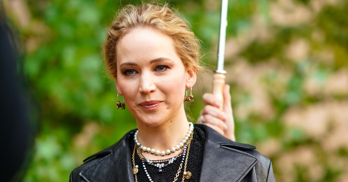 Jennifer Lawrence Joined Twitter Publicly To Support Black ...