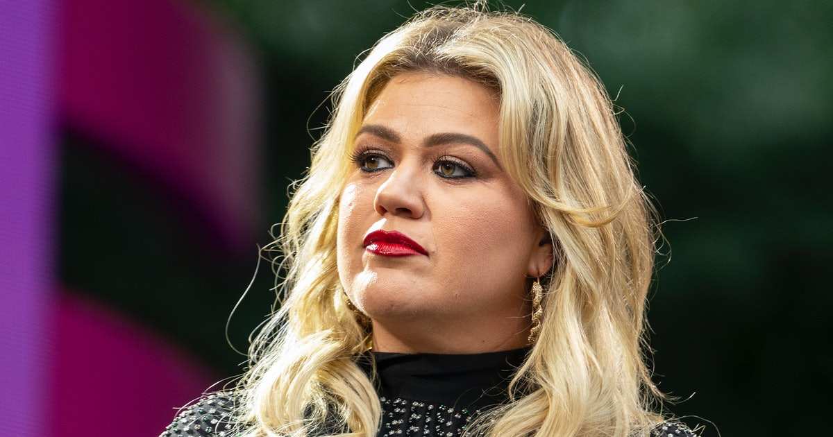 """Kelly Clarkson Praised Demi Lovato For Being """"So Open"""" About Her Mental Health"""