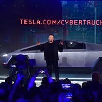 Musk Reads: Tesla Cybertruck pre-orders soar