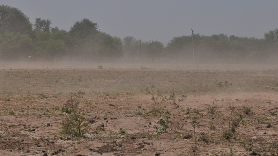 A Saharan dust cloud will make its way to the United States this weekend, but experts are assuring it's nothing to worry about.