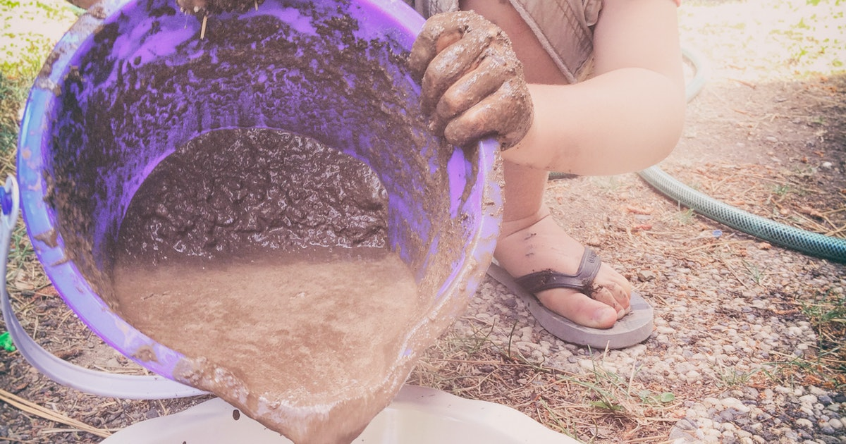 Mud Kitchens Are The New Bouncy Houses (But They're A Lot Cheaper)