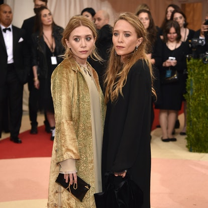 """Ashley Olsen (L) and Mary-Kate Olsen attend the """"Manus x Machina: Fashion In An Age Of Technology"""" Costume Institute Gala at Metropolitan Museum of Art on May 2, 2016 in New York City."""