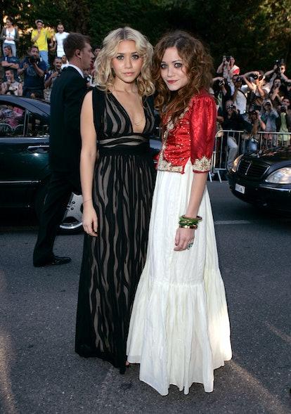 "Ashley Olsen and Mary-Kate Olsen during amfAR ""Cinema Against AIDS"" Gala Presented by Miramax Films,..."
