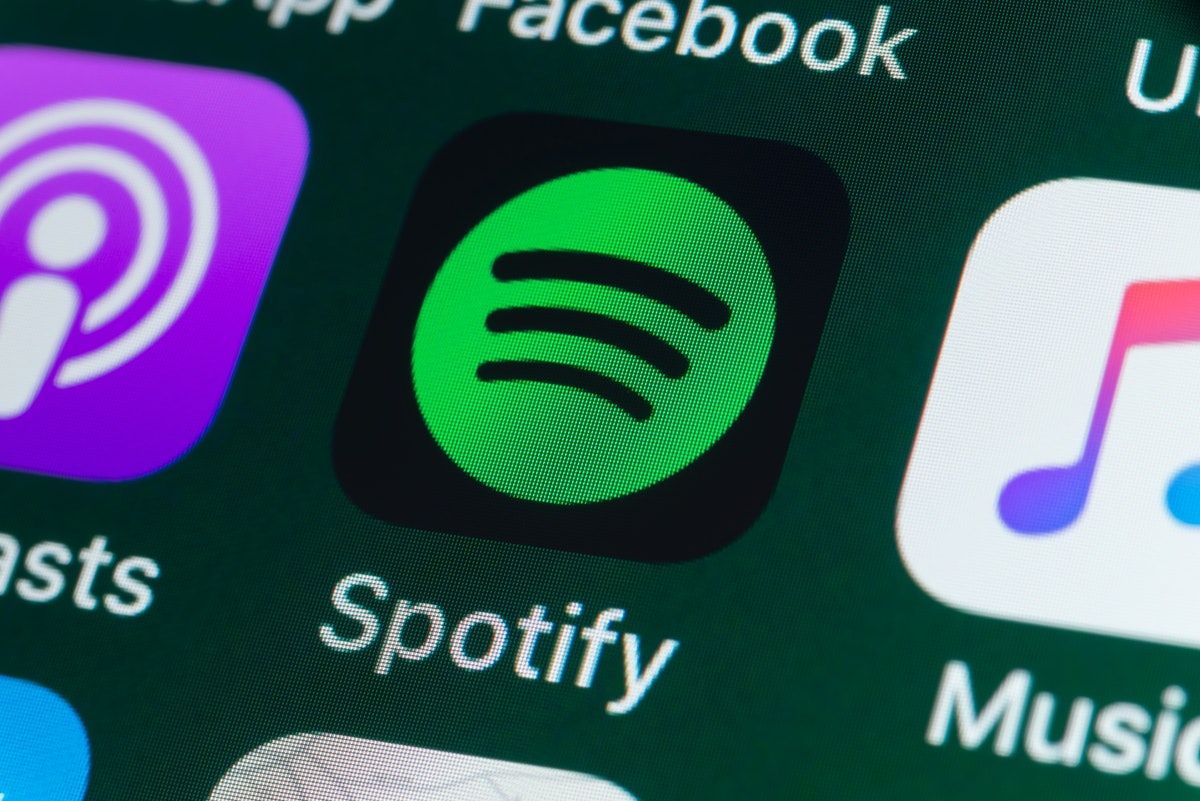 Here's where to find Spotify's new Top Podcasts charts to discover trending and popular shows.