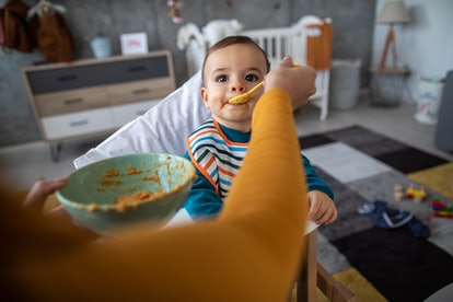 Babies need to eat food with no added sugar before 2 years old.