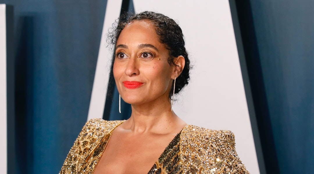 Tracee Ellis Ross' bold eyeshadow looks have set the tone for fall