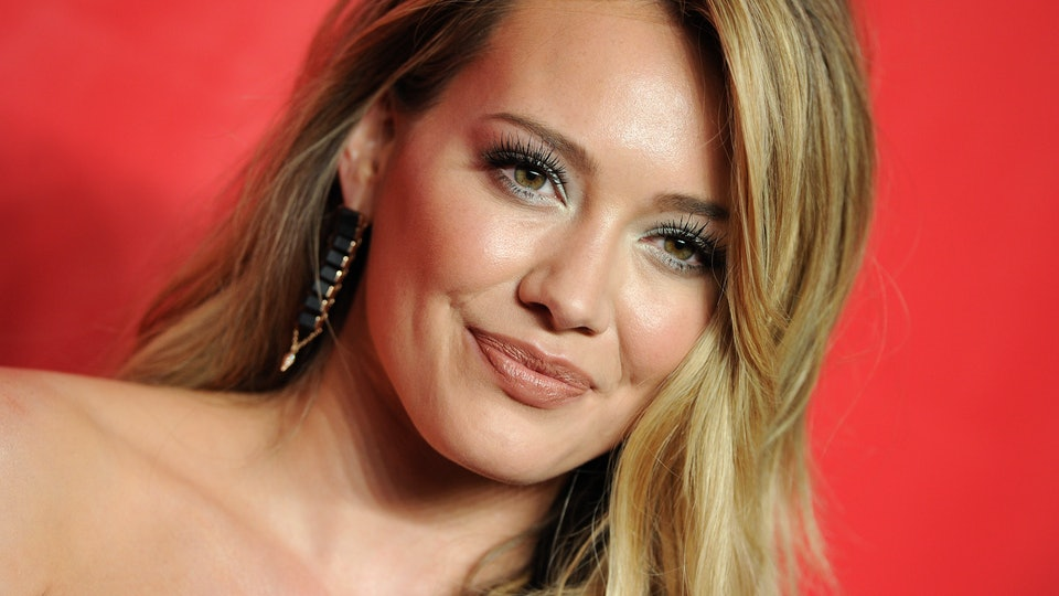 Hilary Duff took to Instagram where she criticized people for not wearing masks amidst the coronavirus pandemic this weekend.