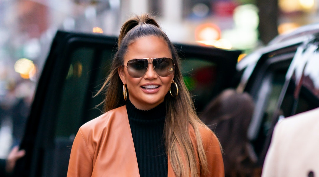 Chrissy Teigen recently shared her skincare routine with her Instagram followers.