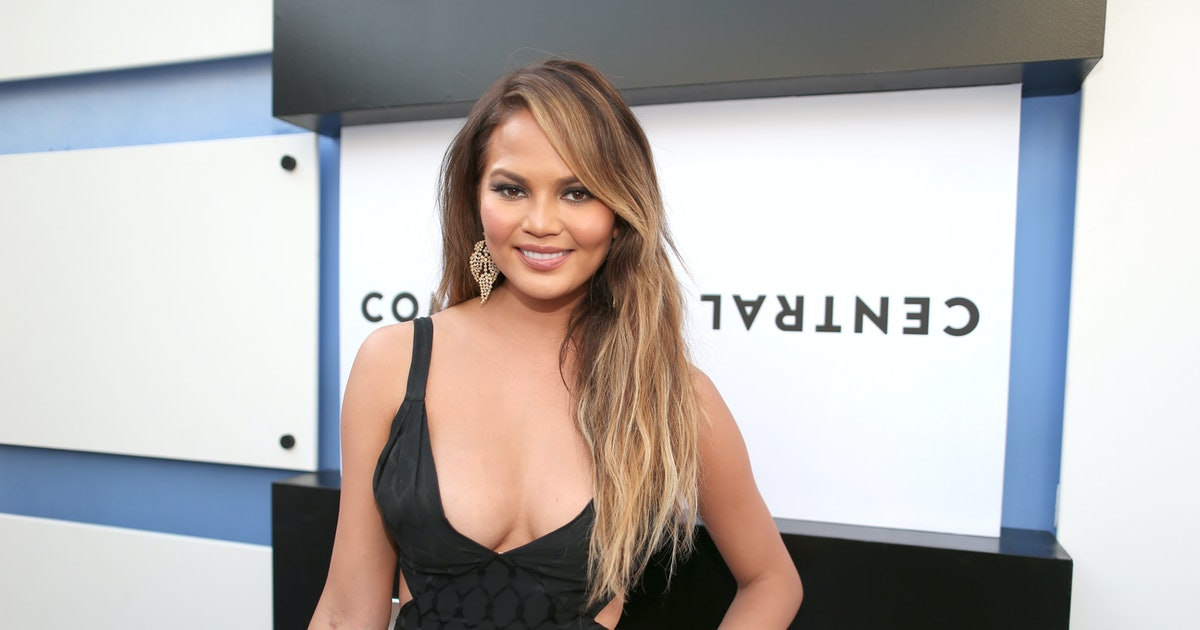 Chrissy Teigen's Post-Surgery Bikini Takes The Animal Print Trend To A New Level - Bustle