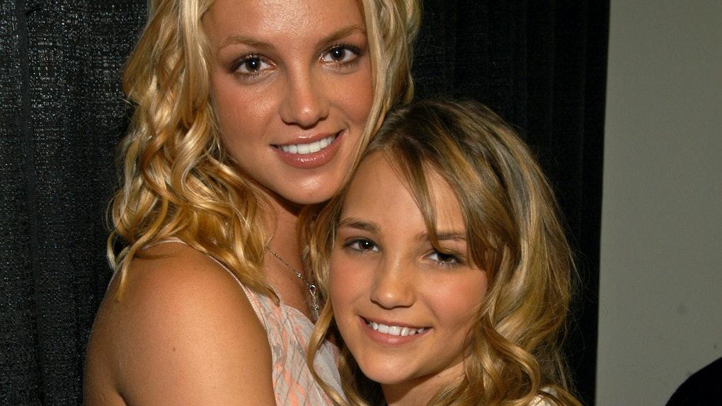Britney Spears hugs her sister Jamie Lynn.