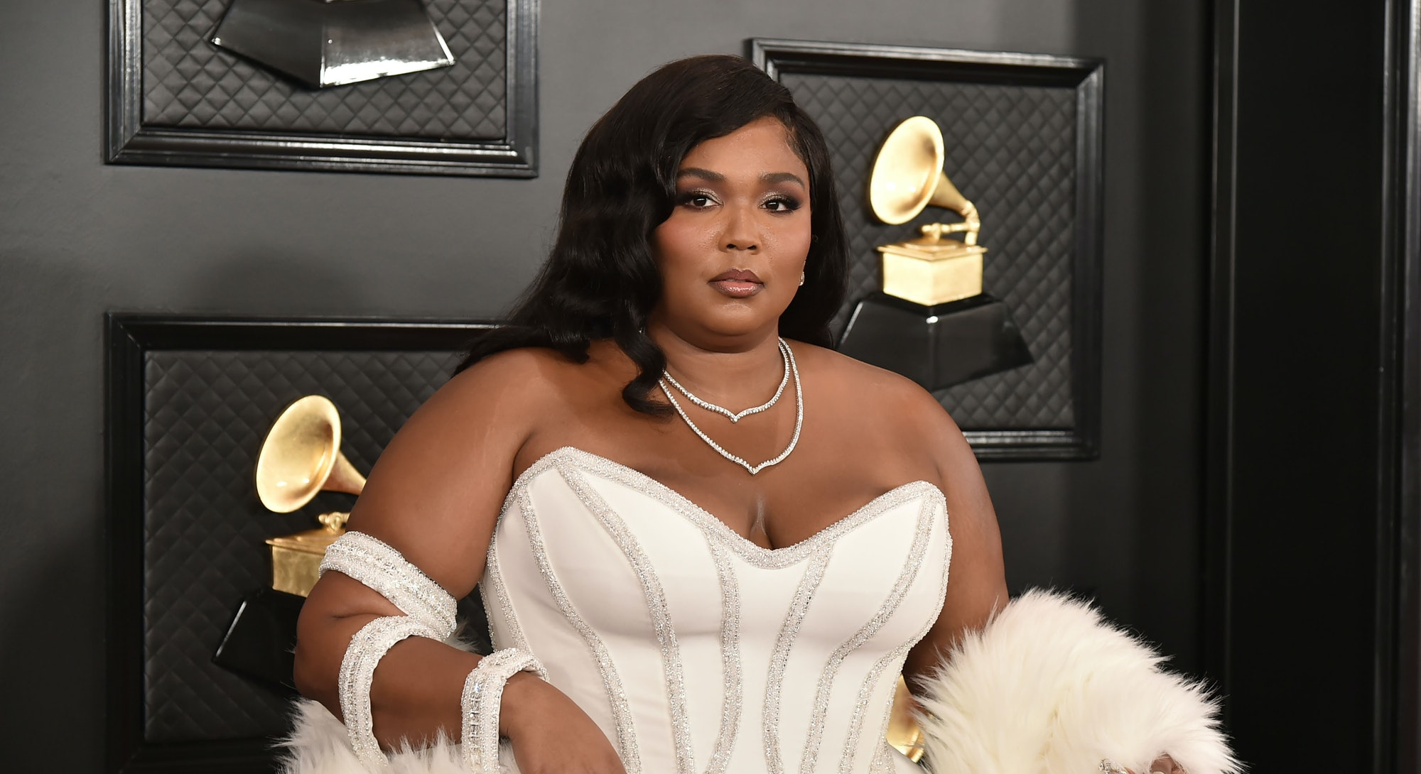 Lizzo Grammys red carpet