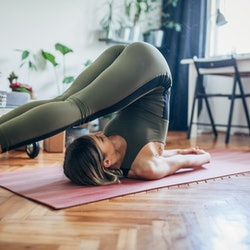 A woman does yoga to cope with a weed hangover. Cannabis withdrawal can feel like many different things, but people commonly report these four symptoms of a weed hangover.