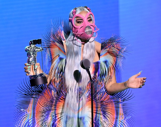 Lady Gaga S 2020 Vmas Outfits Included A Face Mask Helmet