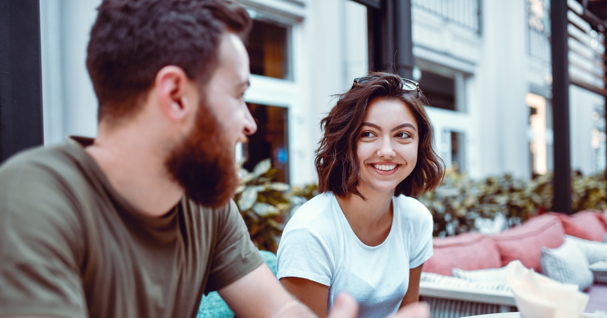 5 Behaviors That Mean Someone Sees You As Just A Friend