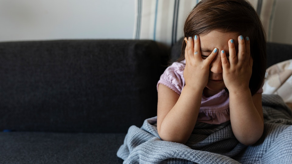 A viral headache trick may help your kids the next time they're experiencing headache pain, experts say.