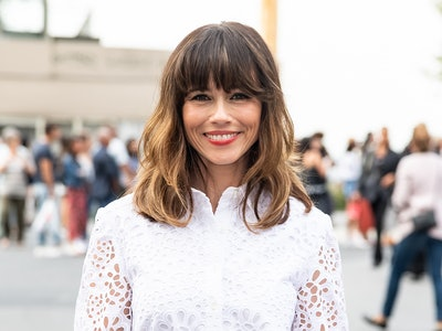 Actress Linda Cardellini is also a mom to a young daughter.