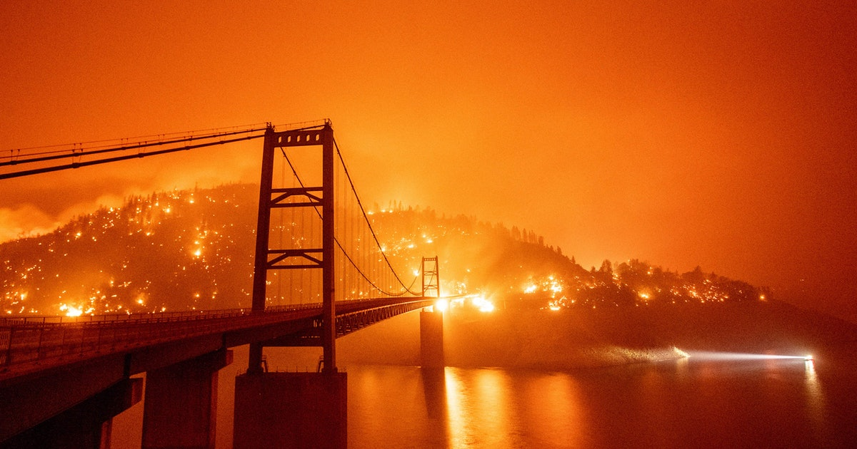 Image of article '11 photos that show the horrific destruction of the West Coast wildfires'