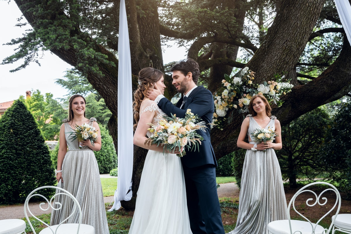 Here's what to say if you're officiating a wedding — from start to finish.