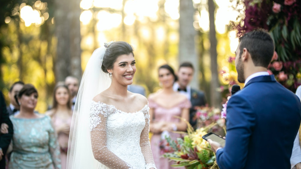Here's what to say if you're officiating a wedding.